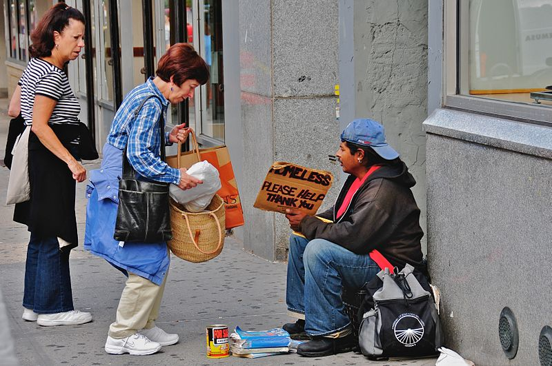 Helping the homeless by Ed Yourdon from New York City, USA  via Wikimedia Commons